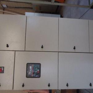 Fábrica quadros de comandos elétricos
