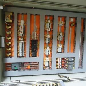 quadros e painéis elétricos